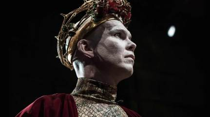 Marty-Rea-as-Richard-II-in-DruidShakespeare-photo-by-Matthew-Thompson